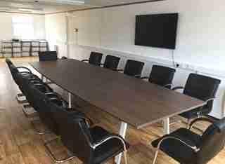 Royal Oak Switch Boardroom Table